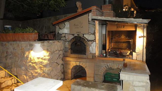 2014-10-29-brick-oven.jpg